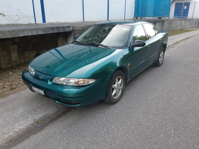 saloon Chevrolet Alero 2.4 Pack A