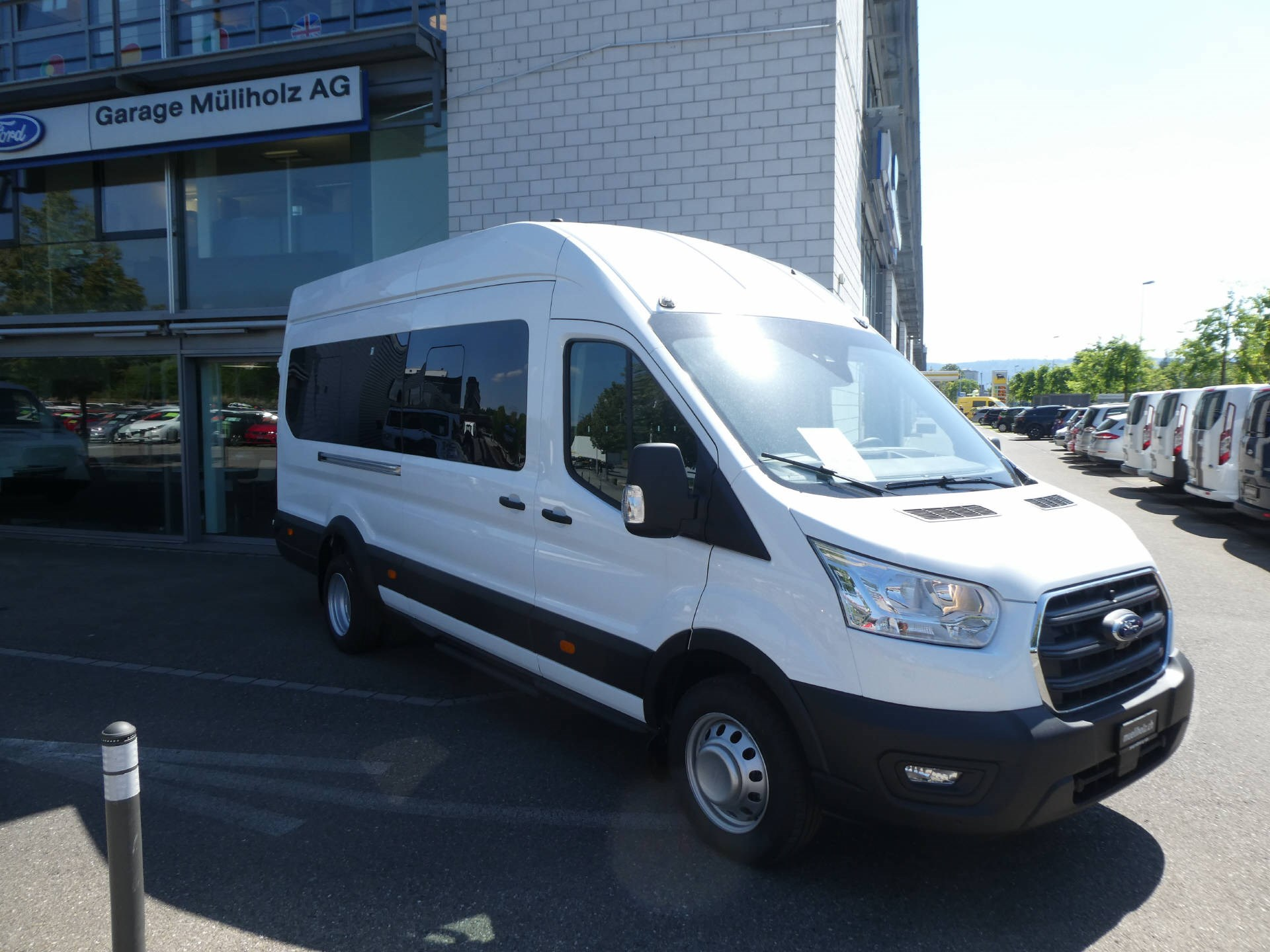 bus Ford Transit Bus 460 L4H3 2.0 EcoBl Trend