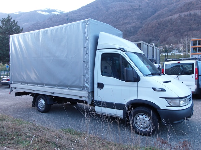 van Iveco Daily / Turbo Daily Daily 35 S 14 K.-Ch. 3450 2.3 HPT 136