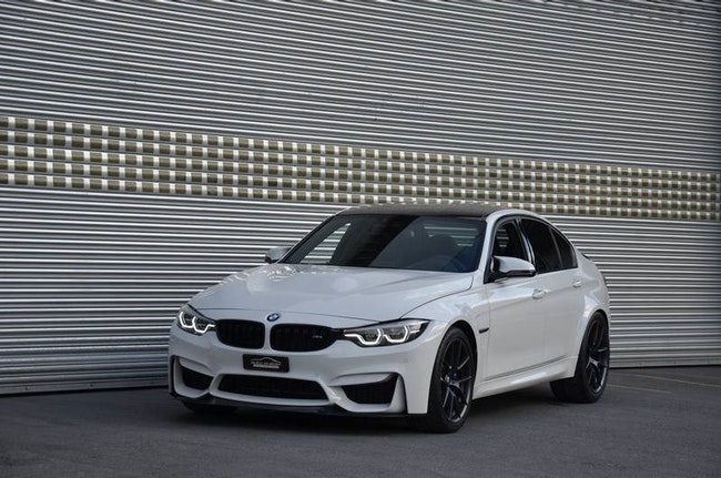 saloon BMW 3er M3 CS Drivelogic