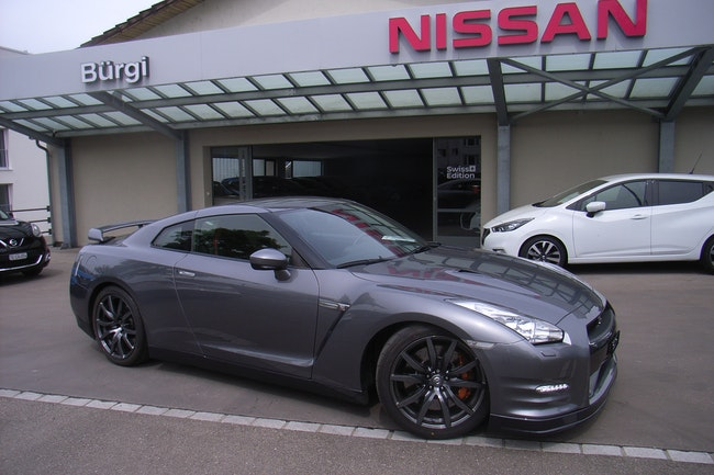 sportscar Nissan GT-R 3.8 V6 BiT Black Edition