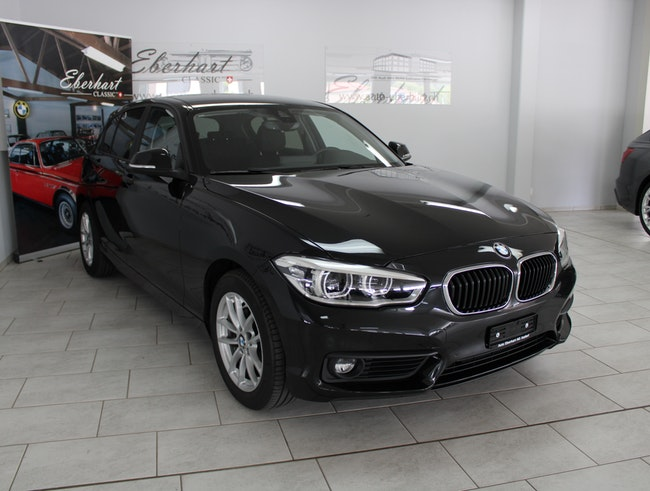 saloon BMW 1er 120d xDrive Essential Edition