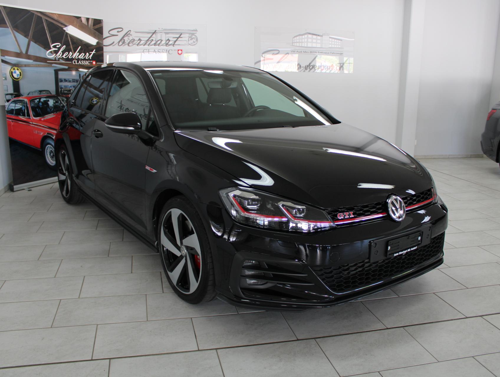 saloon VW Golf 2.0 TSI GTI Performance