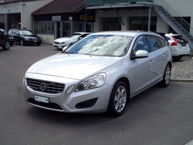 estate Volvo V60 D3 Kinetic Geartronic