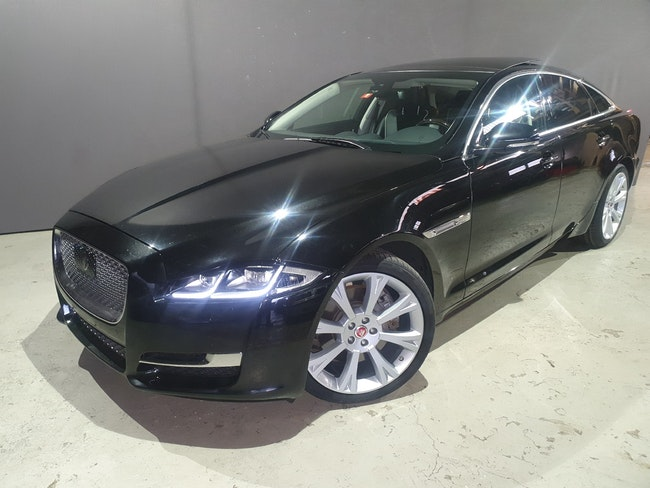 saloon Jaguar XJ 3.0 V6 S/C Premium Luxury Automatic AWD