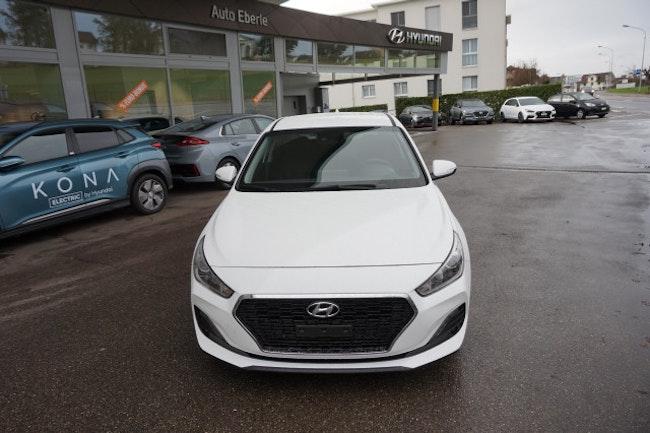 saloon Hyundai i30 1.4 T-GDi Amplia