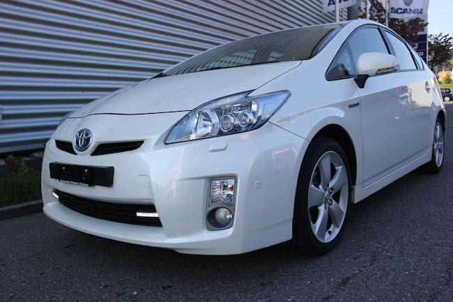 saloon Toyota Prius 1.8 VVTi HSD S.Premium