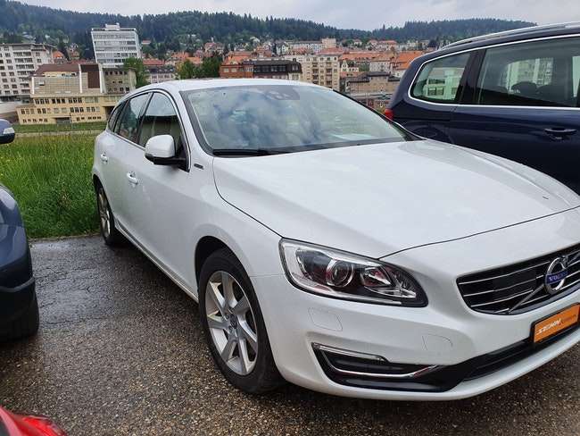 estate Volvo V60 D6 AWD Plug-in Hybrid Summum R Geartronic