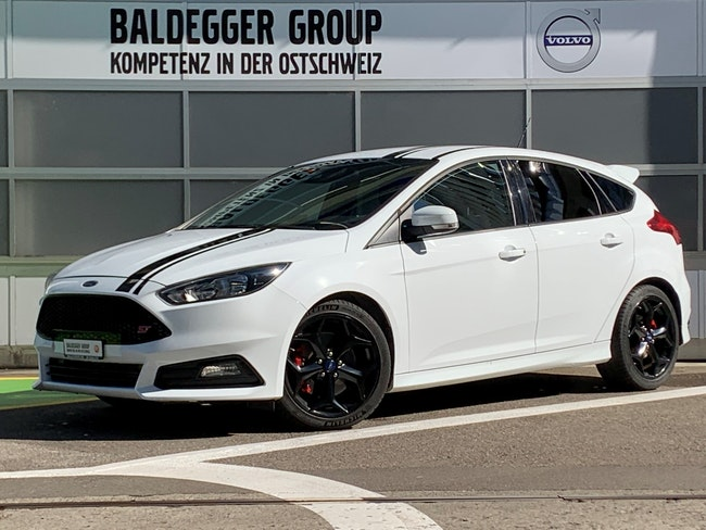 saloon Ford Focus 2.0 SCTi ST