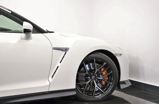 sportscar Nissan GT-R 3.8 V6 Biturbo Black Edition