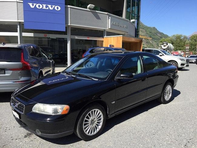 saloon Volvo S60 2.5T AWD Kinetic