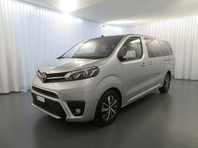 bus Toyota Proace 2.0 D Trend