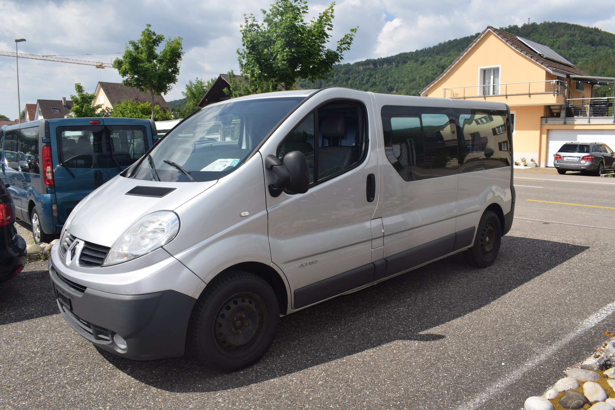 bus Renault Trafic 2.5 dCi L2H1 Grand Passenger Authentique