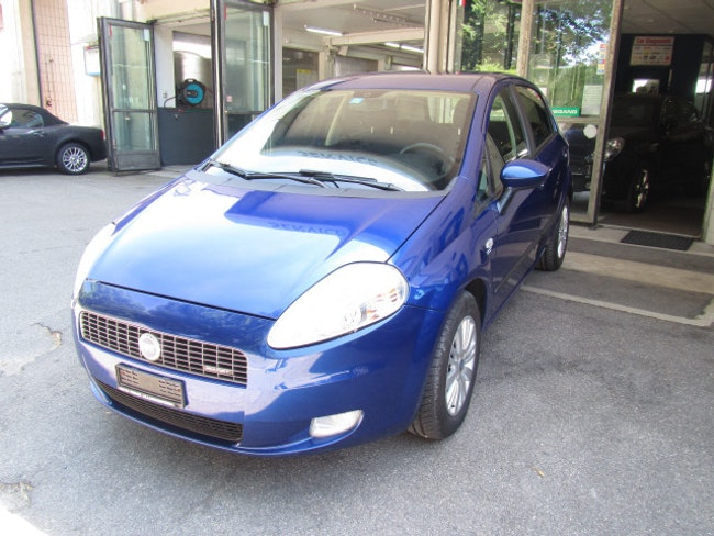 saloon Fiat Punto 1.3 JTD Emotion