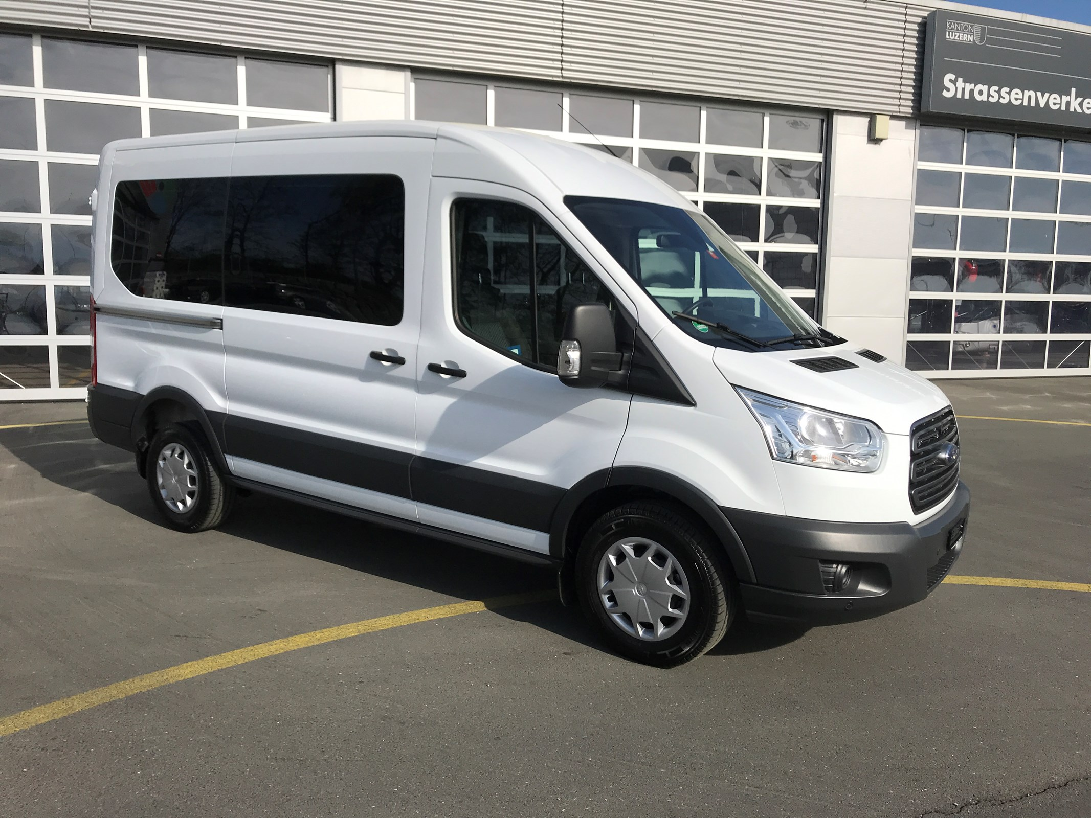 bus Ford Transit Combi 330 L2 Trend FWD