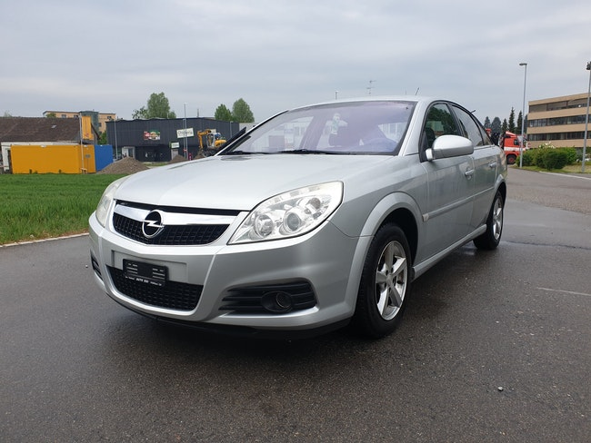 saloon Opel Vectra 2.2 Diamond