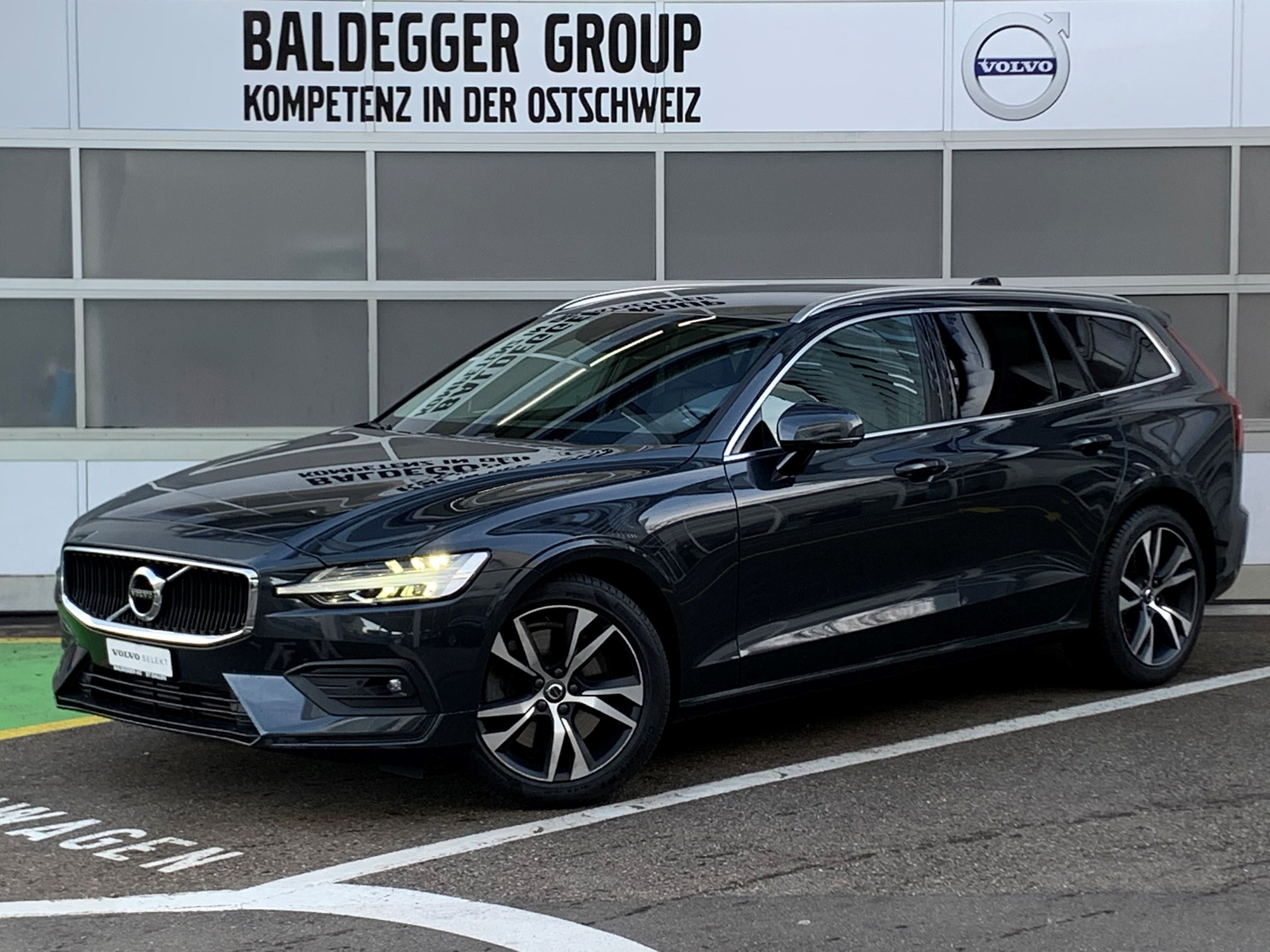 estate Volvo V60 T6 AWD Momentum Geartronic