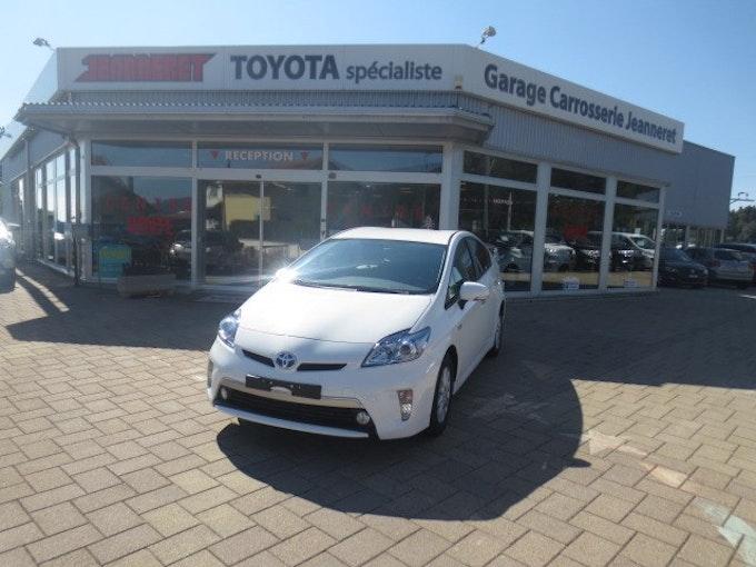 Toyota Prius 1.8 16V Plug-in Hybrid Sol 150 km CHF30'900 - buy on carforyou.ch - 1