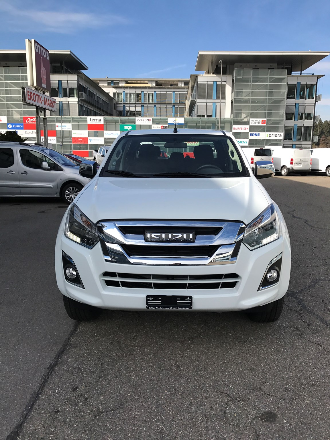 saloon Isuzu D-Max Crew Solar Plus AT 1.9TDi 4x4