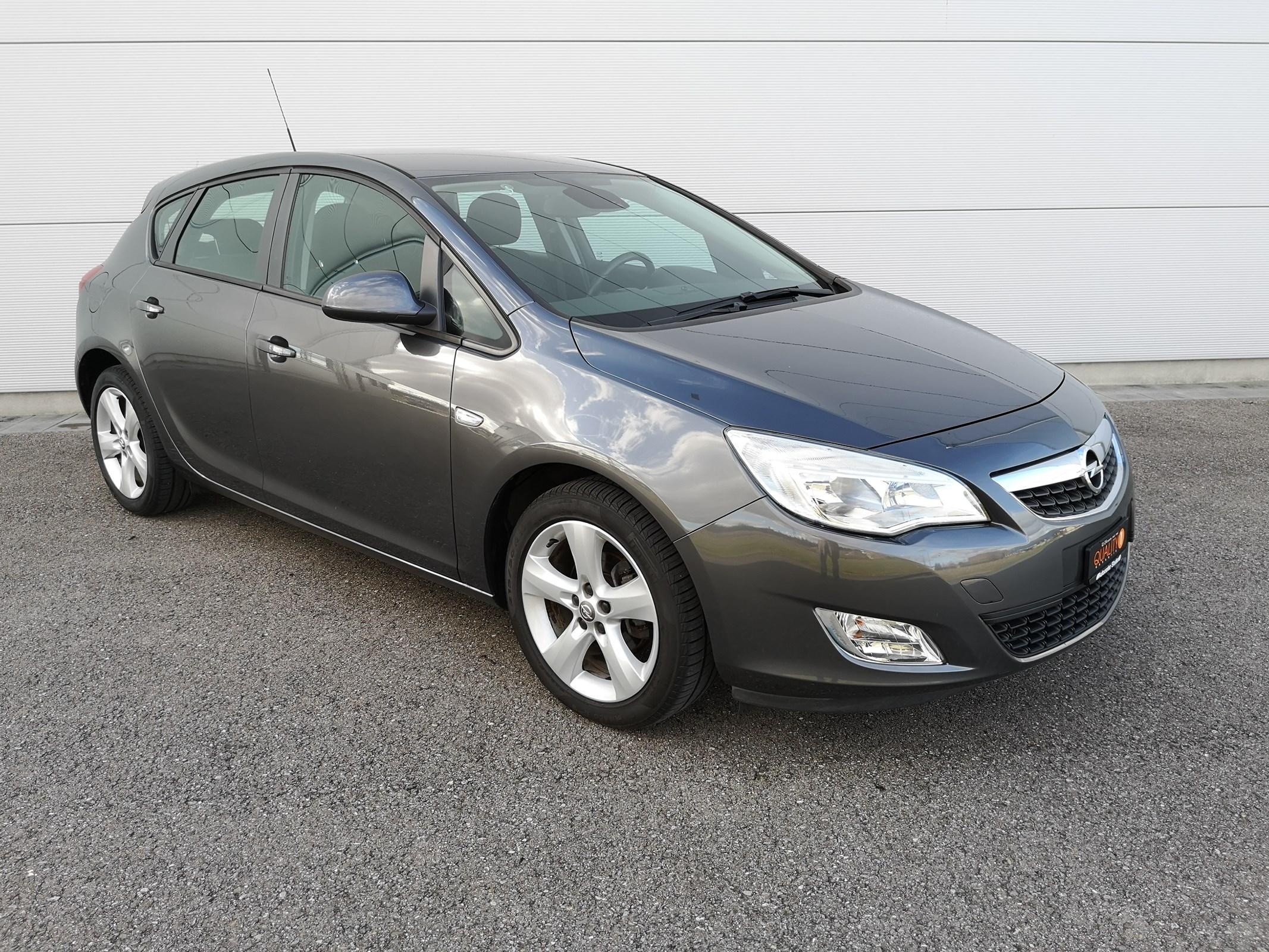 Buy Used Car Sedan Opel Astra 1 6i 16v Enjoy 124000 Km At 6450 Chf On Carforyou Ch