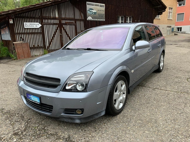 estate Opel Vectra Caravan 2.2 Design Edition