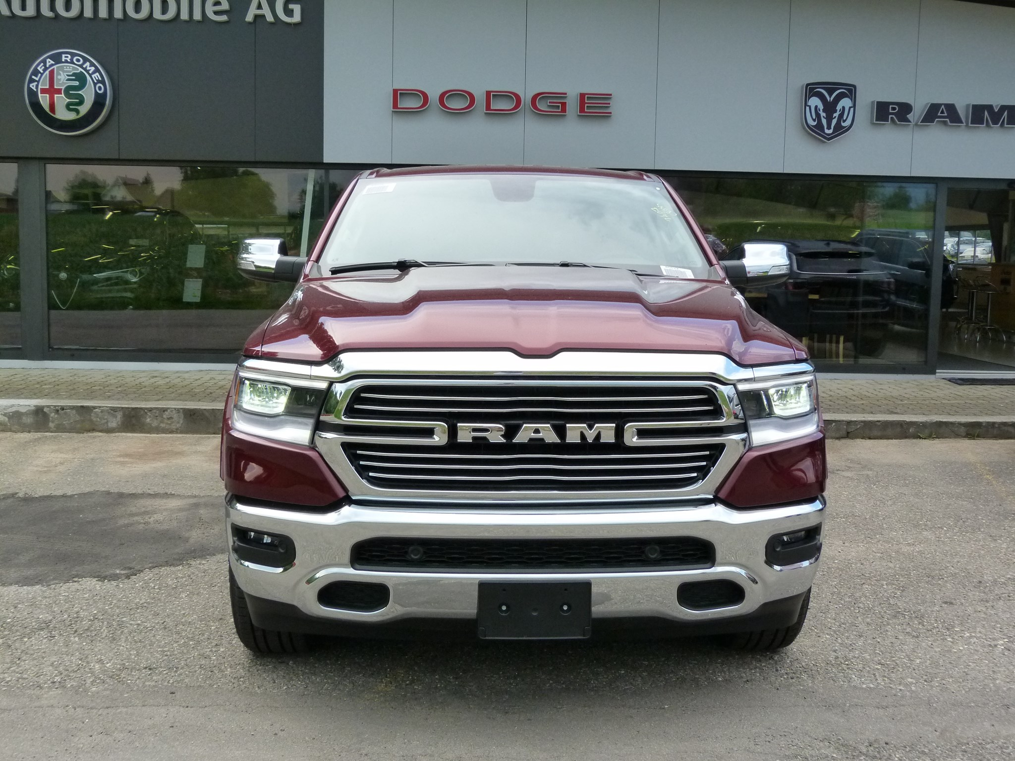 suv Dodge USA RAM 1500 Laramie Crew Cab