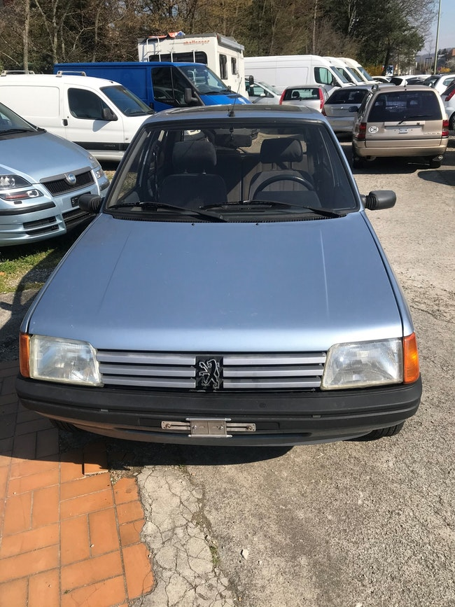 saloon Peugeot 205 1.9 Automatic