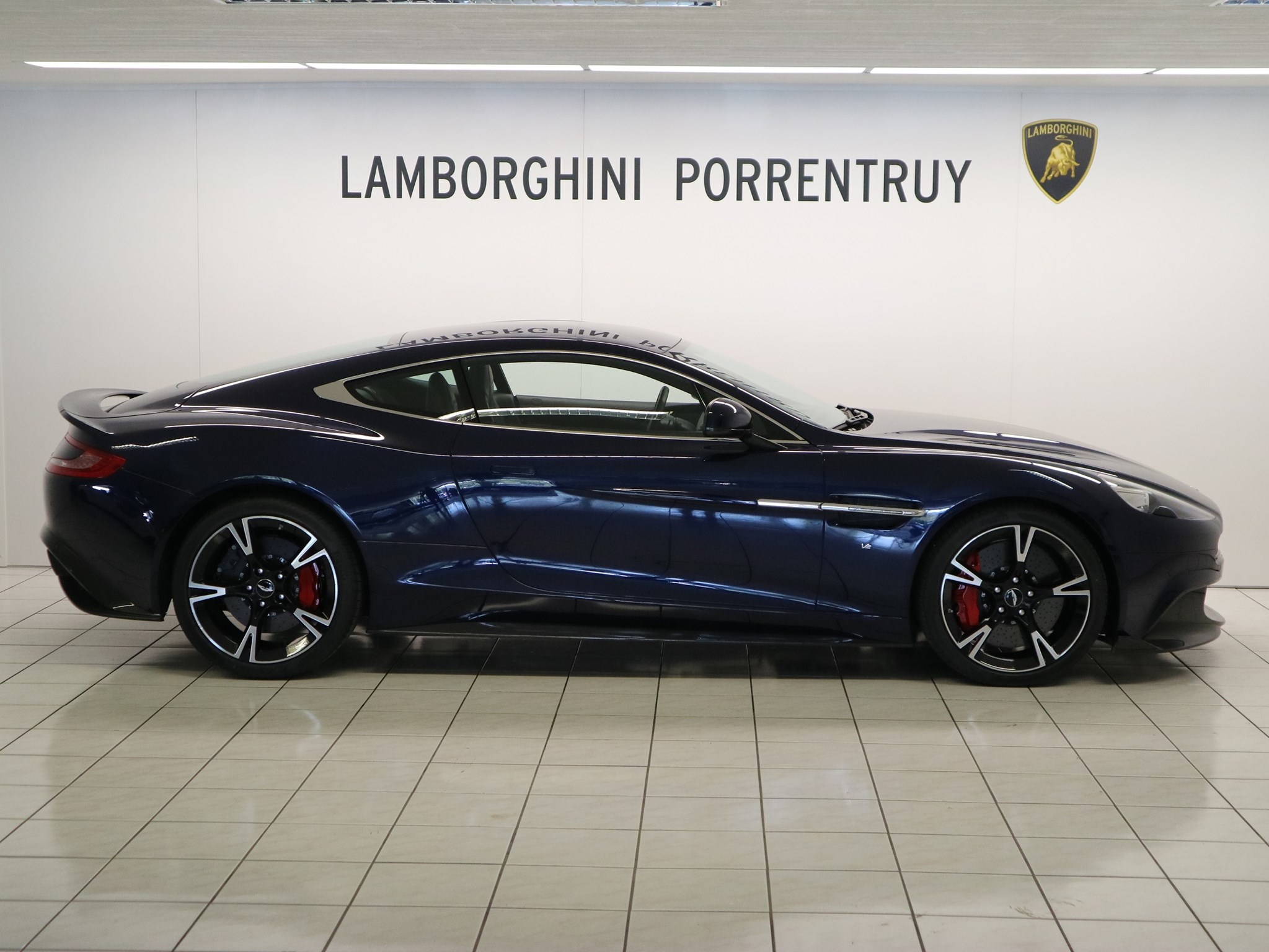Sportauto Aston Martin Vanquish V12 Vanquish Vanquish S V12 Touchtronic 3 Kaufen Auf Carforyou Ch