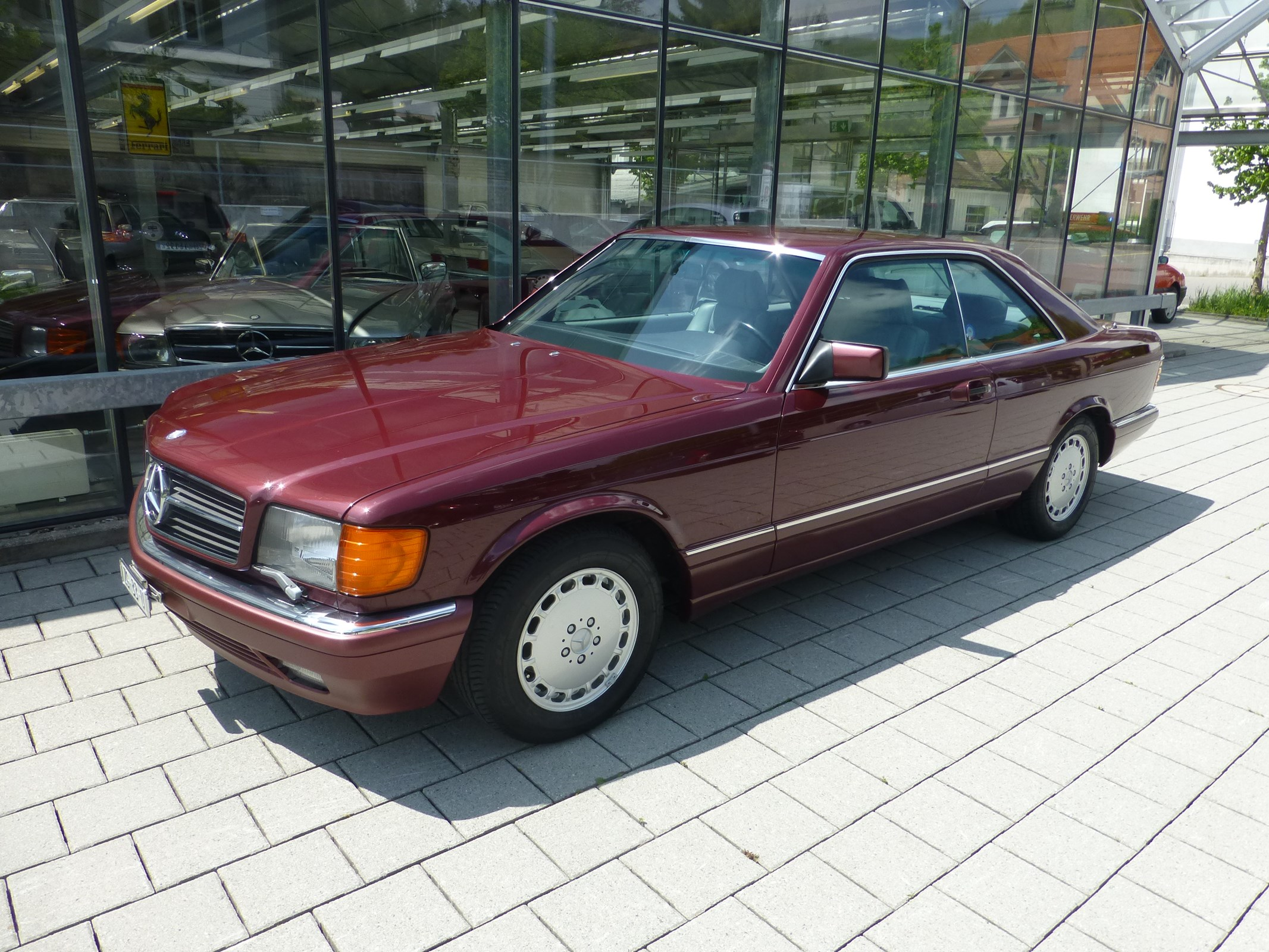 coupe Mercedes-Benz 560 SEC Automatic