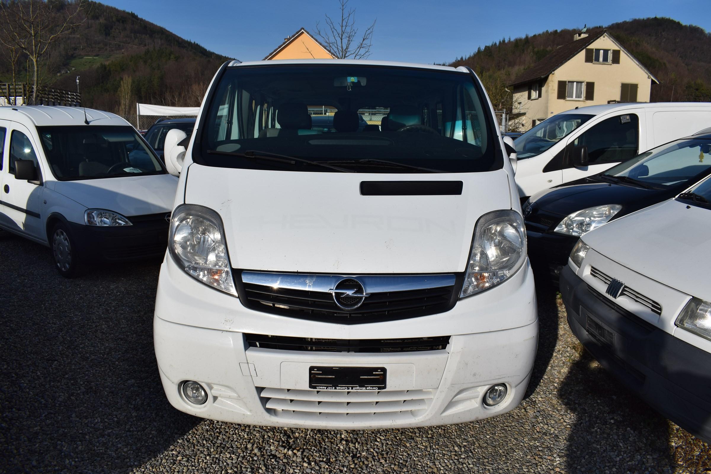 bus Opel Vivaro Tour 2.0 CDTI 2.7t L1H1