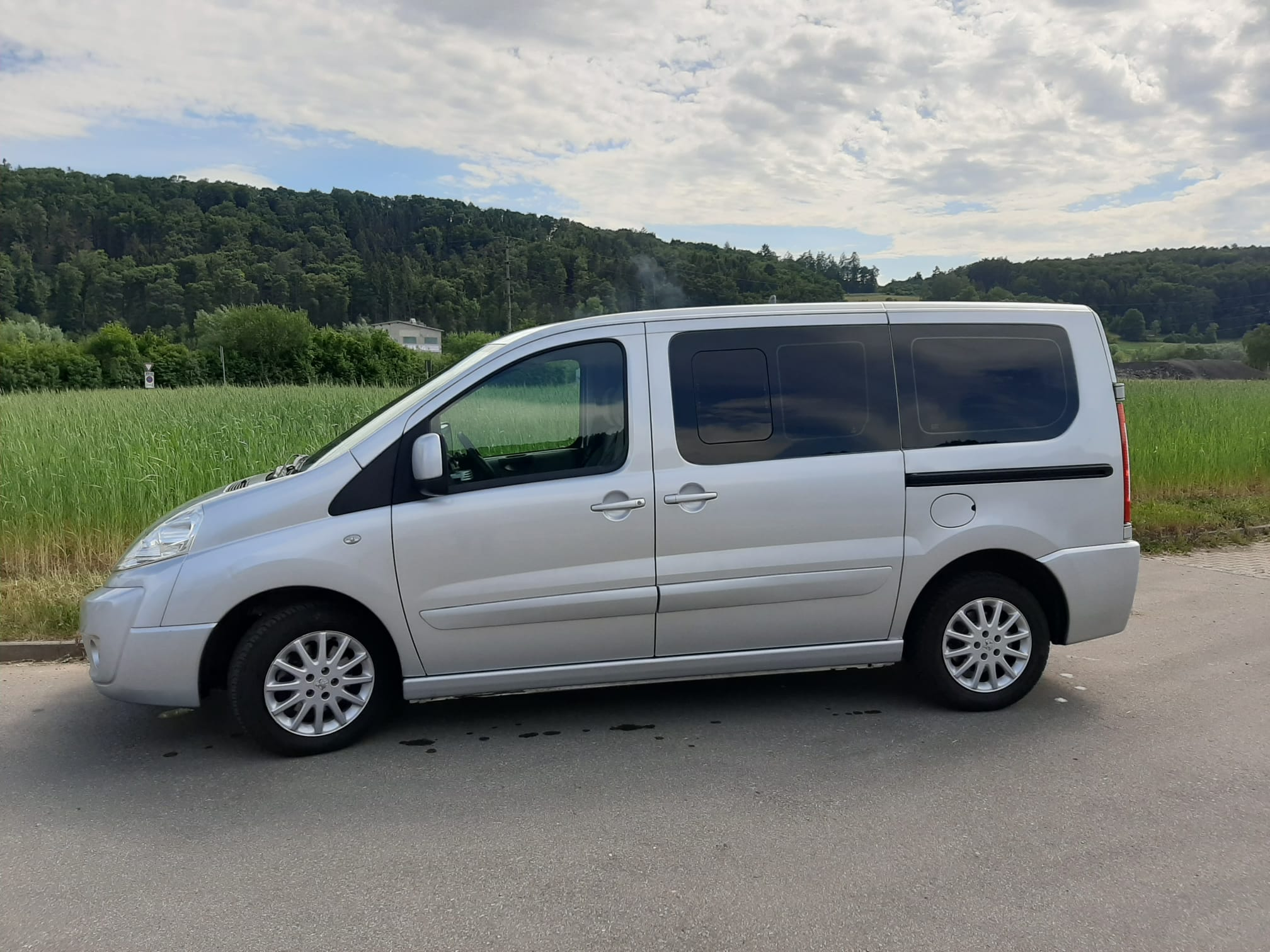 bus Peugeot Expert Tepee L1 2.0 HDI 136 Premium 5/9P