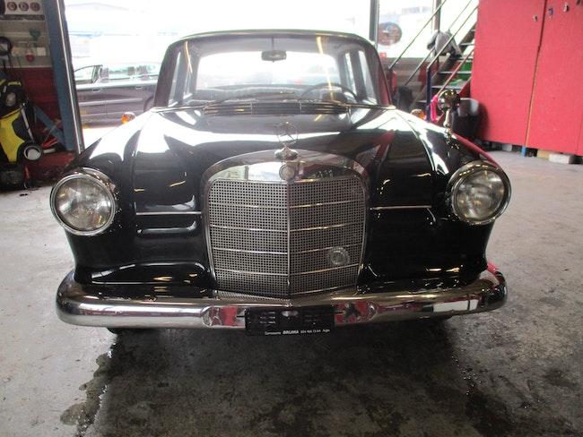 saloon Mercedes-Benz 190 MERCEDES-BENZ 190
