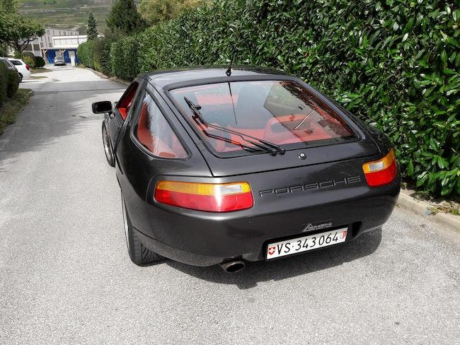 sportscar Porsche 928 5.0 S4