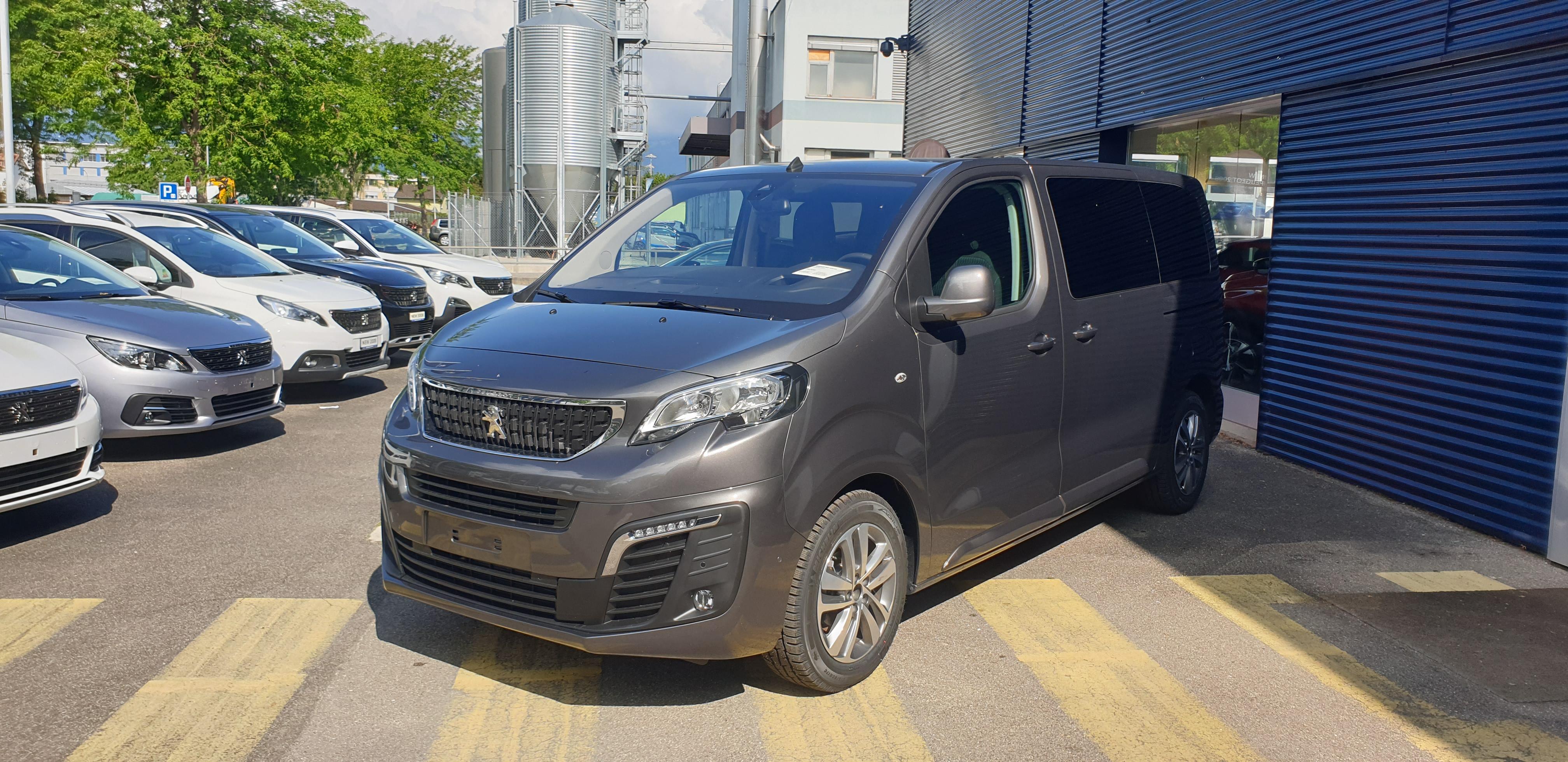 bus Peugeot Traveller Standard 2.0 BlueHDi
