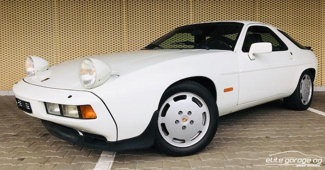 sportscar Porsche 928 S