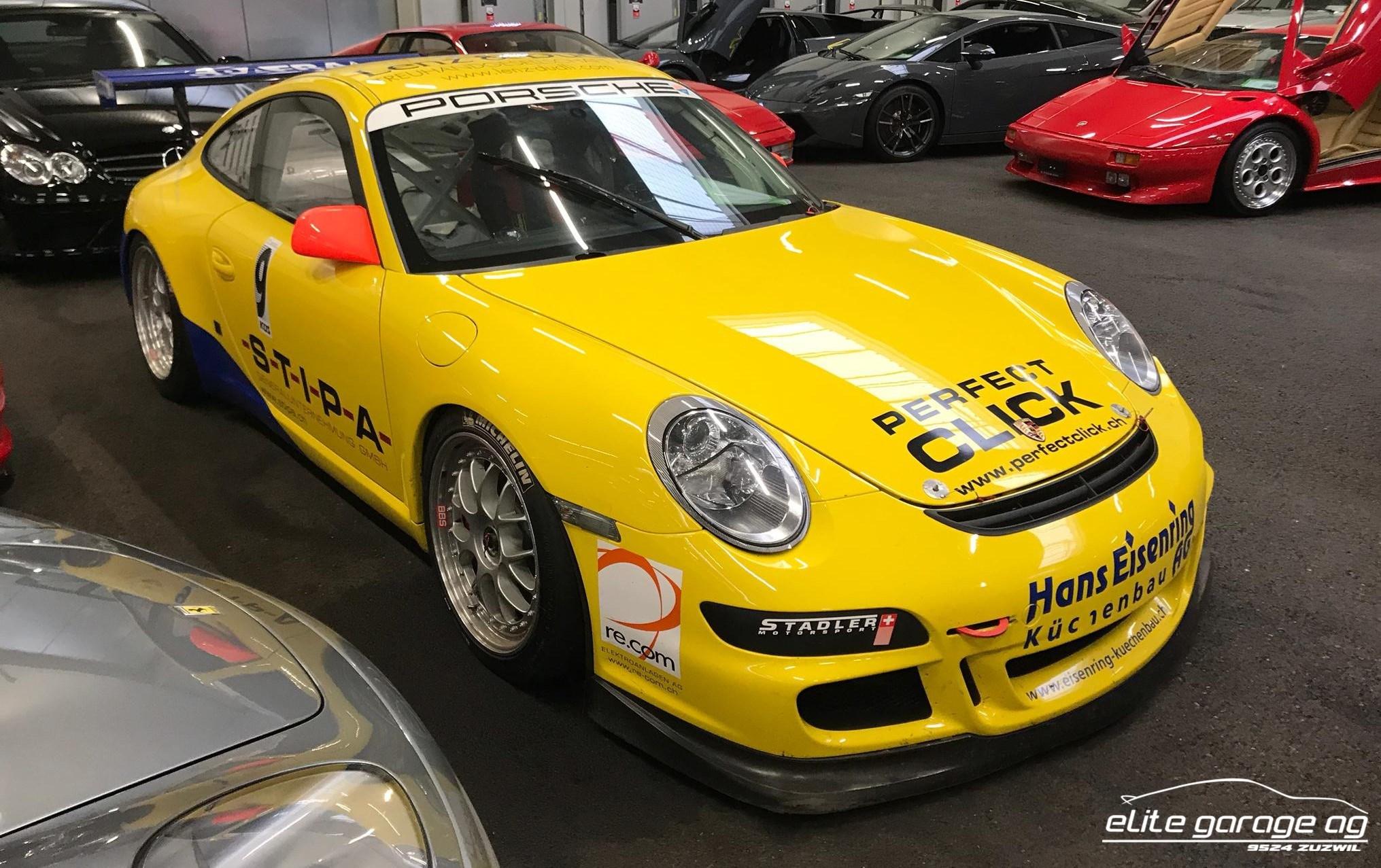 coupe Porsche 911 GT3 CUP Rennwagen