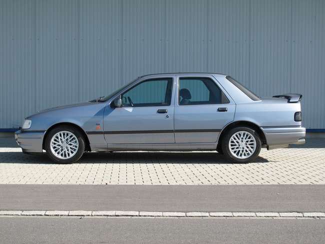 saloon Ford Sierra 2.0i Cosworth 4x4