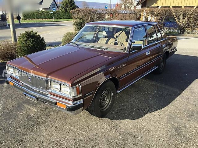 saloon Toyota Crown 2.8i in sensationellem Zustand