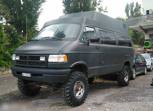 bus Dodge Grand Caravan Mowag Van Offroad 4x4