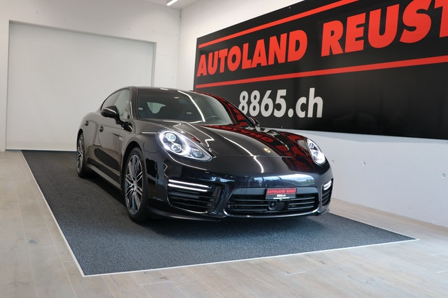 saloon Porsche Panamera GTS 4.8 PDK