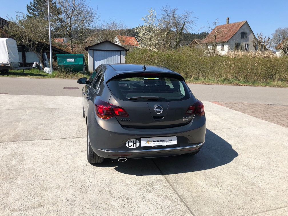 saloon Opel Astra 1.6 T eTEC Cosmo
