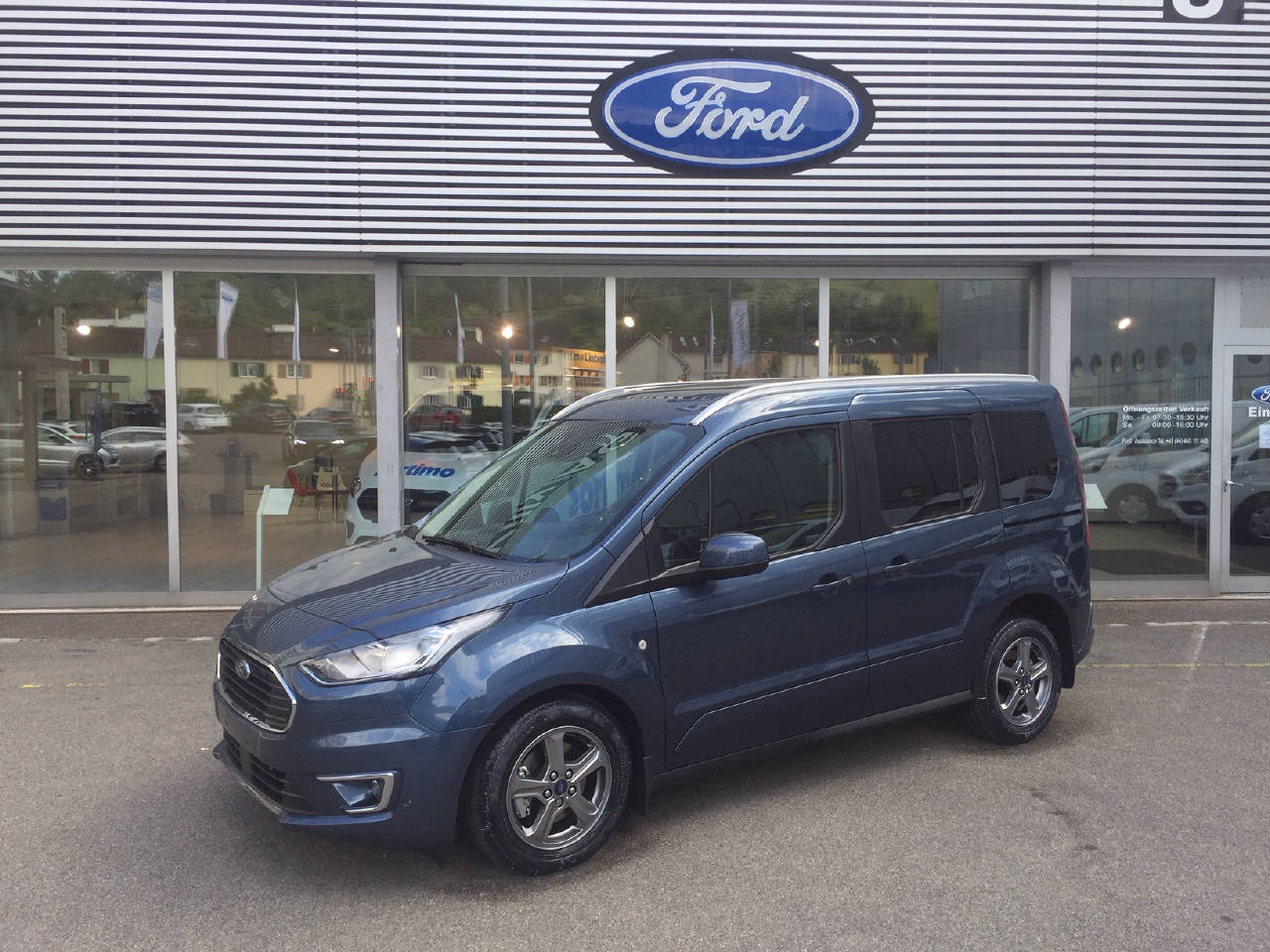 bus Ford Connect Tourneo Connect 1.5 EcoBlue 100 Titanium