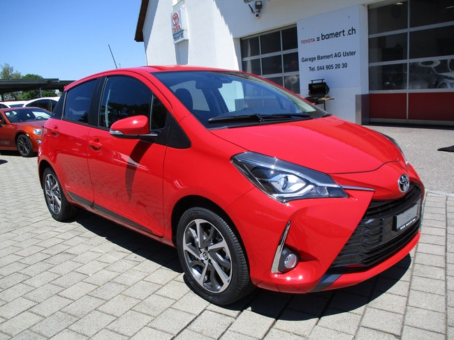 saloon Toyota Yaris 1.5 Trend CVT