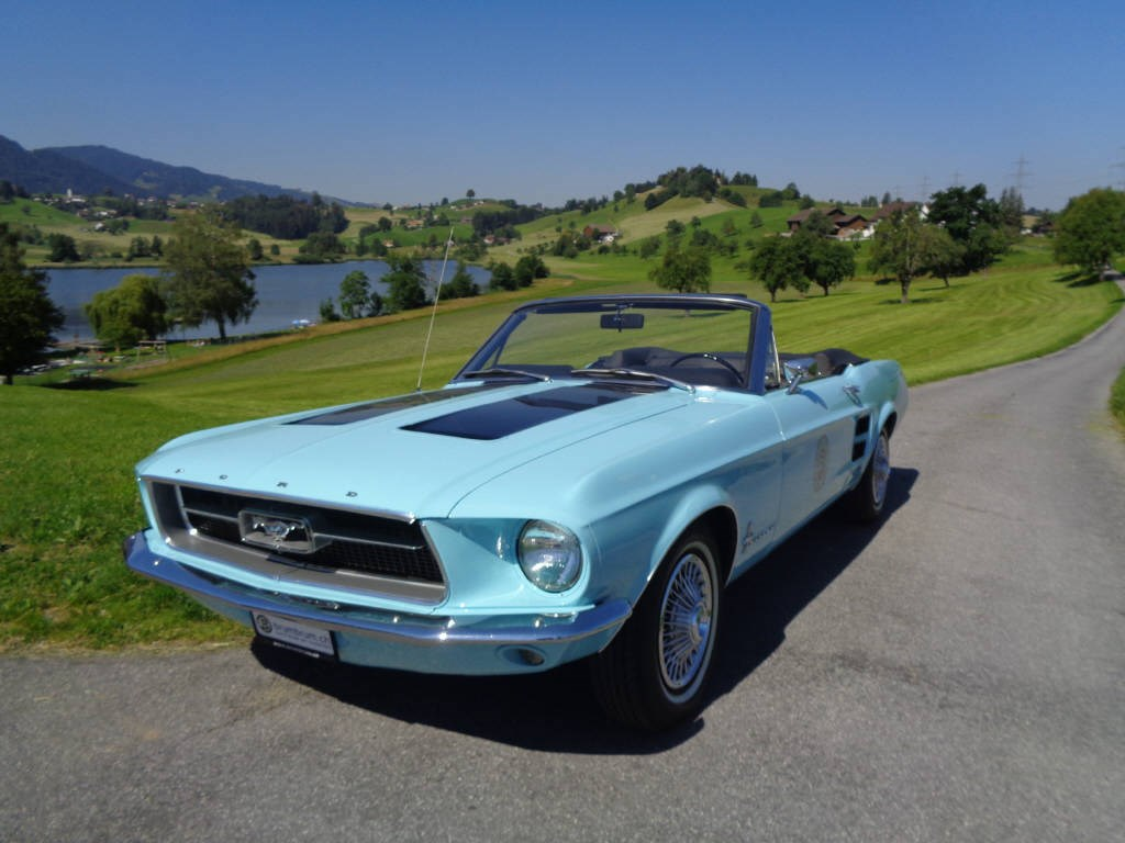 cabriolet Ford Mustang Convertible