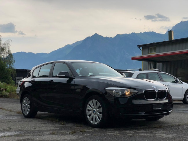saloon BMW 1er 114i Business