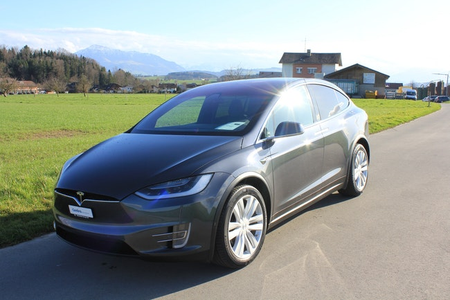 suv Tesla Model X 90 D Autopilot