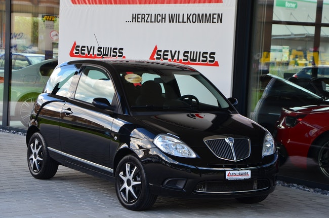 saloon Lancia Ypsilon 1.4 Swiss Edition