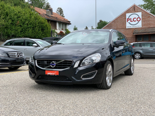 estate Volvo V60 T6 AWD Summum
