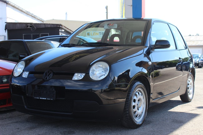 saloon VW Lupo 3L TDI