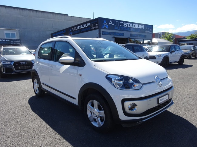 saloon VW Up CrossUp 1.0